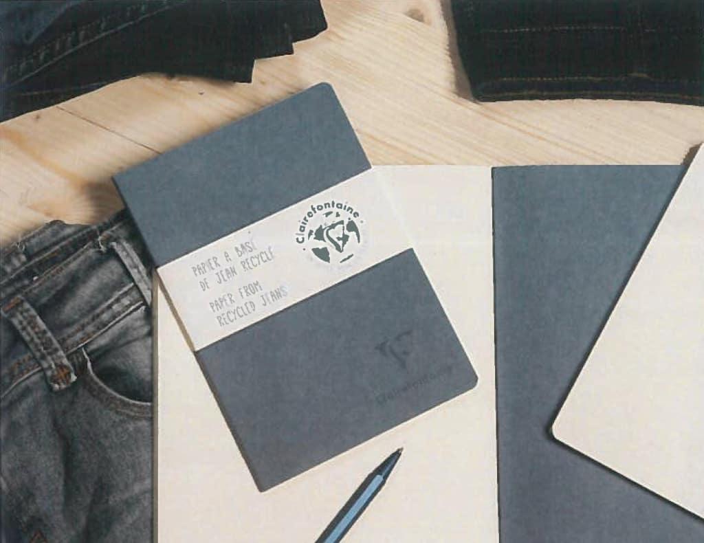 Papierserie Jeans mit 50 % Fasern aus recycelten Jeans